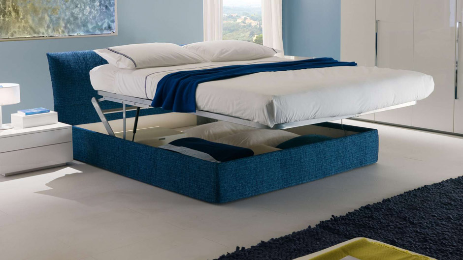 Il letto imbottito nella camera da letto chateau d ax - Esposizione camere da letto ...