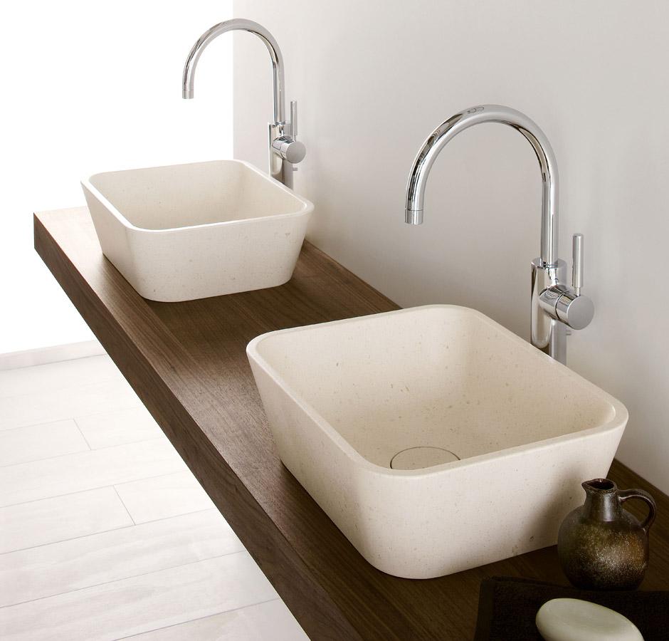 Mensola bagno per lavabo ispirazione design casa - Trattamento legno per bagno ...