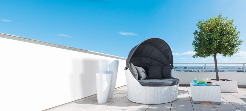 la semplice bellezza del salotto per esterni arredica. Black Bedroom Furniture Sets. Home Design Ideas