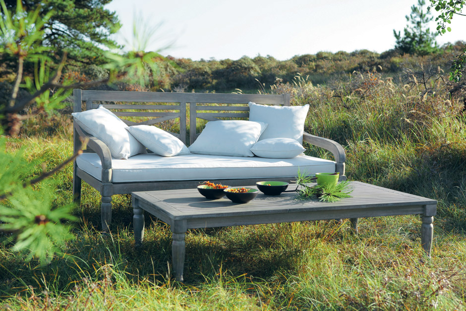 La semplice bellezza del salotto per esterni arredica - Tavoli da giardino maison du monde ...